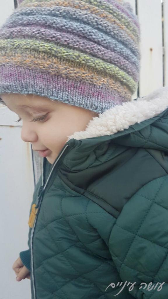 עושה עיניים - כובע סרוג בשתי מסרגות    Osa Einaim - knitted hat